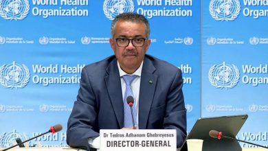 حذرت منظمة الصحة العالمية، أمس الجمعة، من أن تعميم اللقاحات لمكافحة وباء (كوفيد-19) لن يكون كافيا بحد ذاته للقضاء على الفيروس المميت.