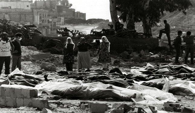 """في منتصف ليل التاسع من أبريل عام 1948، هاجمت العصابات الصهيونية غدراً قرية """"دير ياسين""""، الواقعة غرب مدينة القدس المحتلة، من محاور عدة، مستغل"""