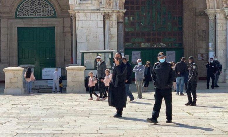 حذرت المرابطة المقدسية هنادي الحلواني من مخططات خطيرة تستهدف المسجد الأقصى المبارك في شهر رمضان المقبل، داعية لضرورة التحرك ضد تلك المخططات